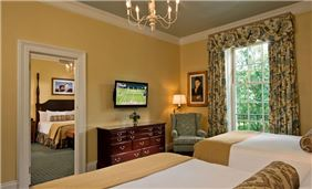 Hotel Cooperstown Room - Deluxe Double Queen