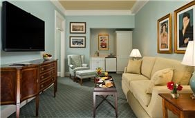 Hotel Cooperstown Room - Superior Lake Suite Parlor